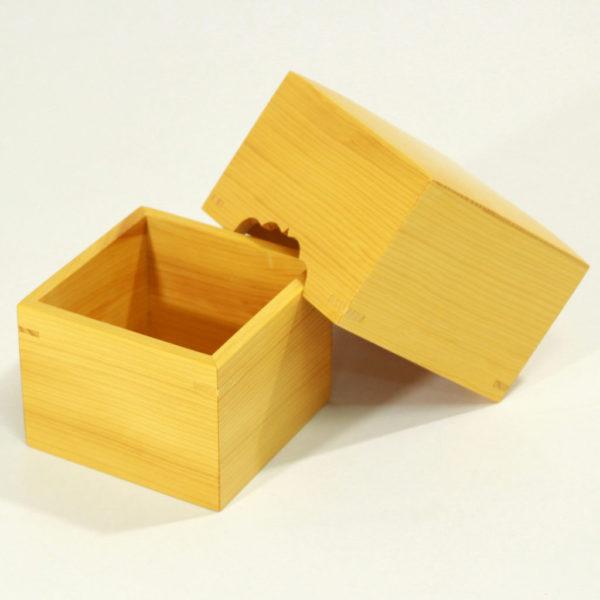Torreya box for pieces