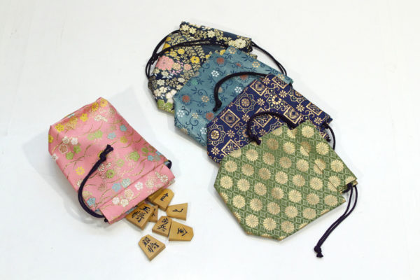 Nishijin-ori pouch for pieces