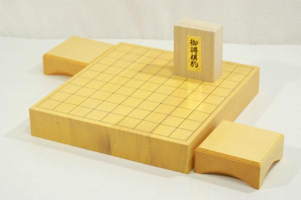 新榧将棋盤20号卓上セット(樺上彫)