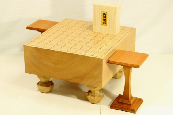本桂将棋盤40号セット(白椿上彫+駒台)