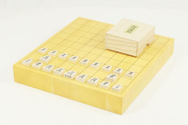 日本産本榧将棋盤20号 駒セット(楓上彫)